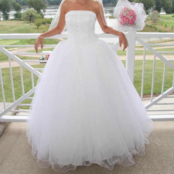 1b7e26b75340 David's Bridal Dresses | Pure White Wedding Dress | Poshmark